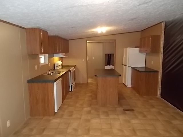Clayton / Clayton 28X64 (202430) - Kitchen