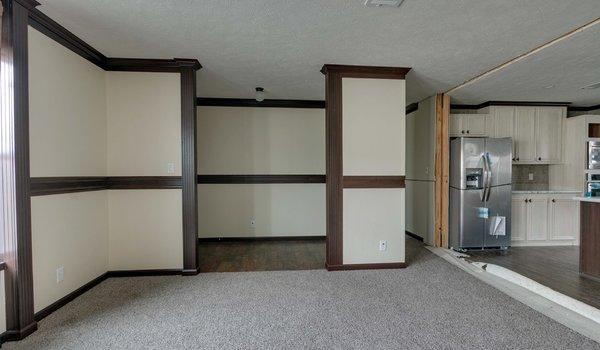 Limited / L9920 - Interior