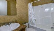 Ultimate UT1301 Lot #33 Bathroom