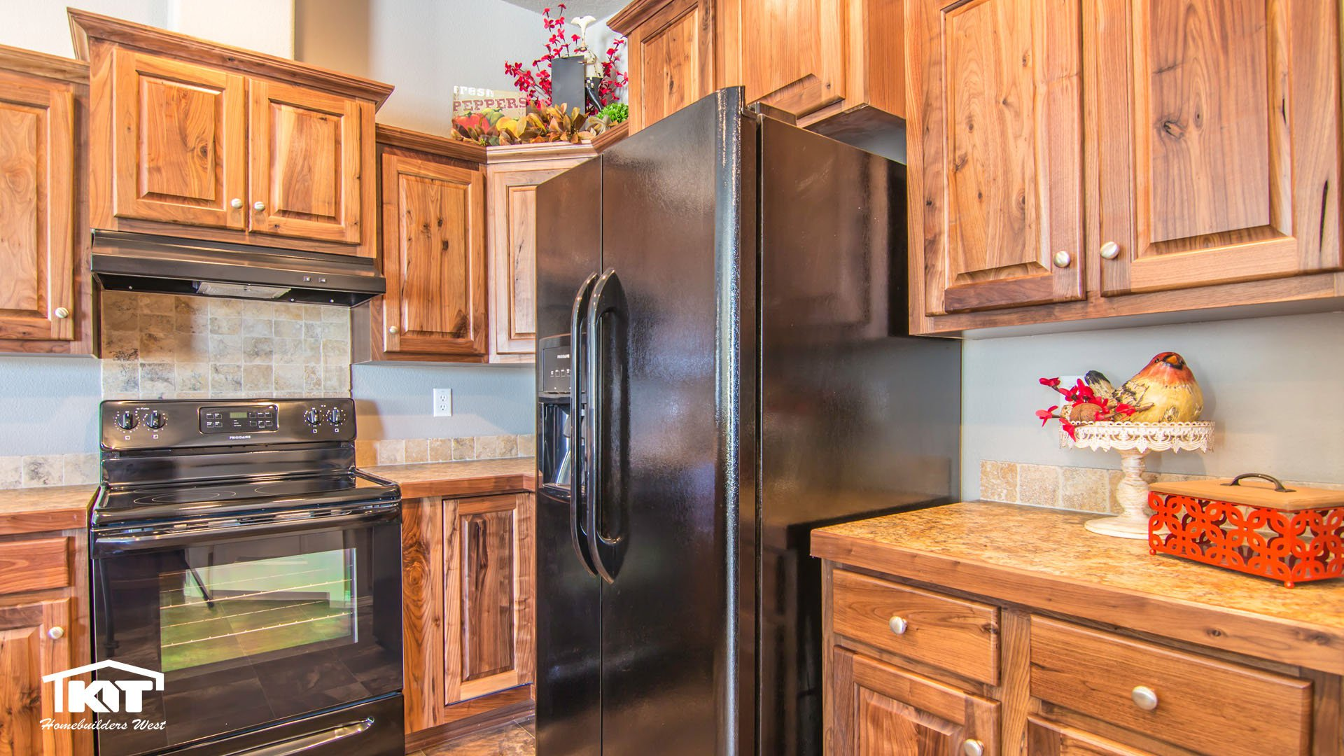 Peter 39 s homes in post falls id manufactured home dealer for Kitchen in the canyon