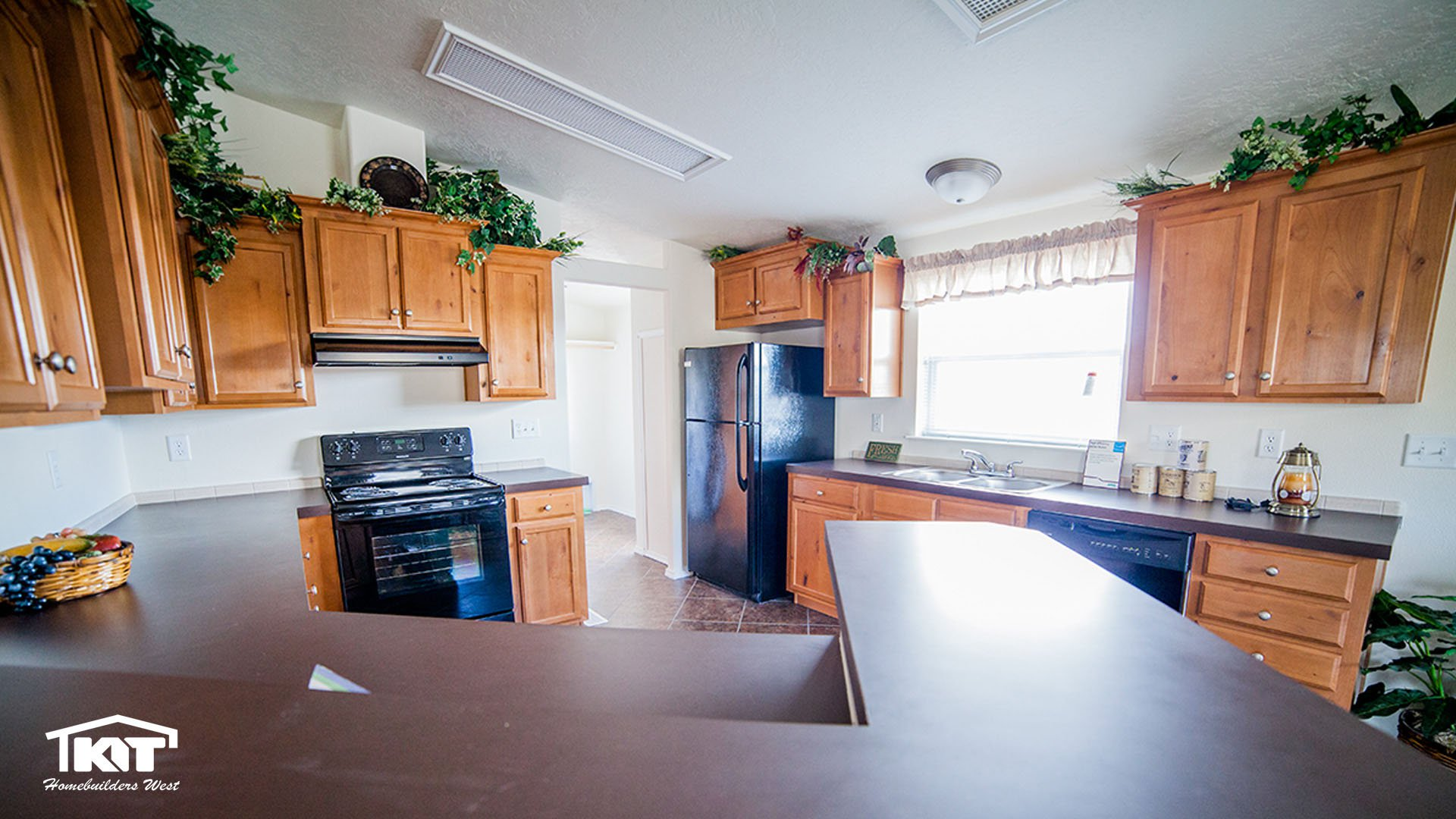 Stout homes inc lewiston id for Kitchen in the canyon