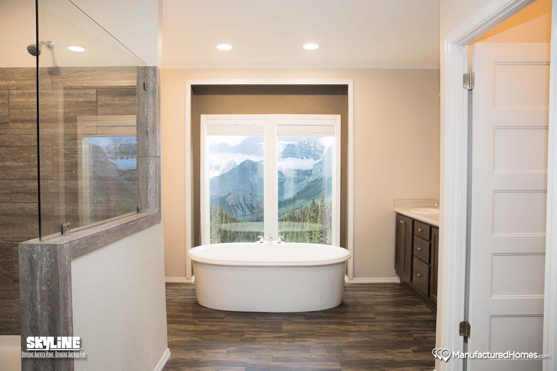The victory 6966se by clayton homes of marshall for Bathrooms r us clayton