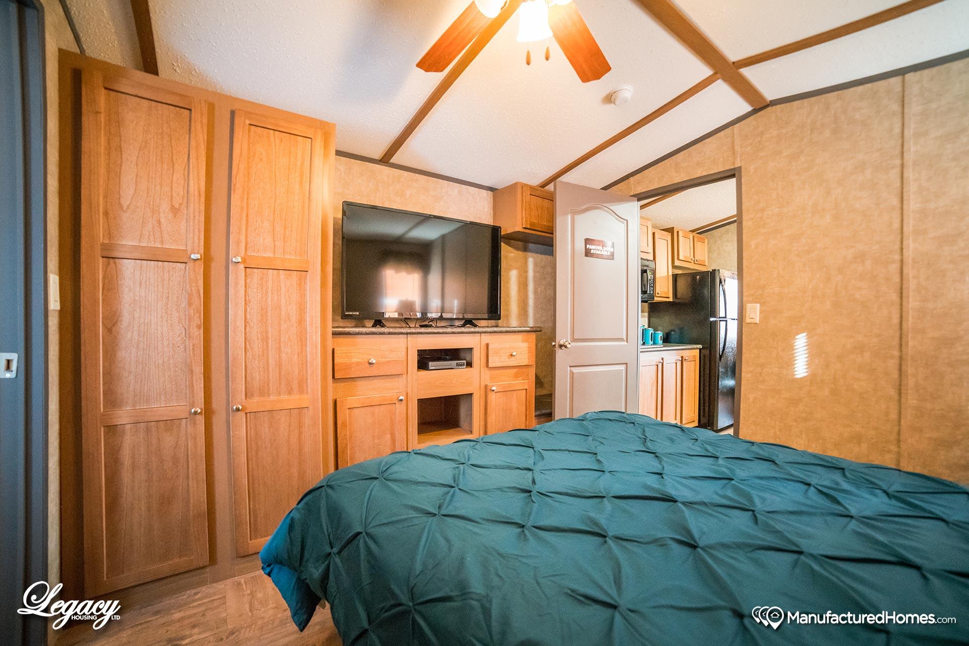 Tiny / 1234-11FLA - Bedroom