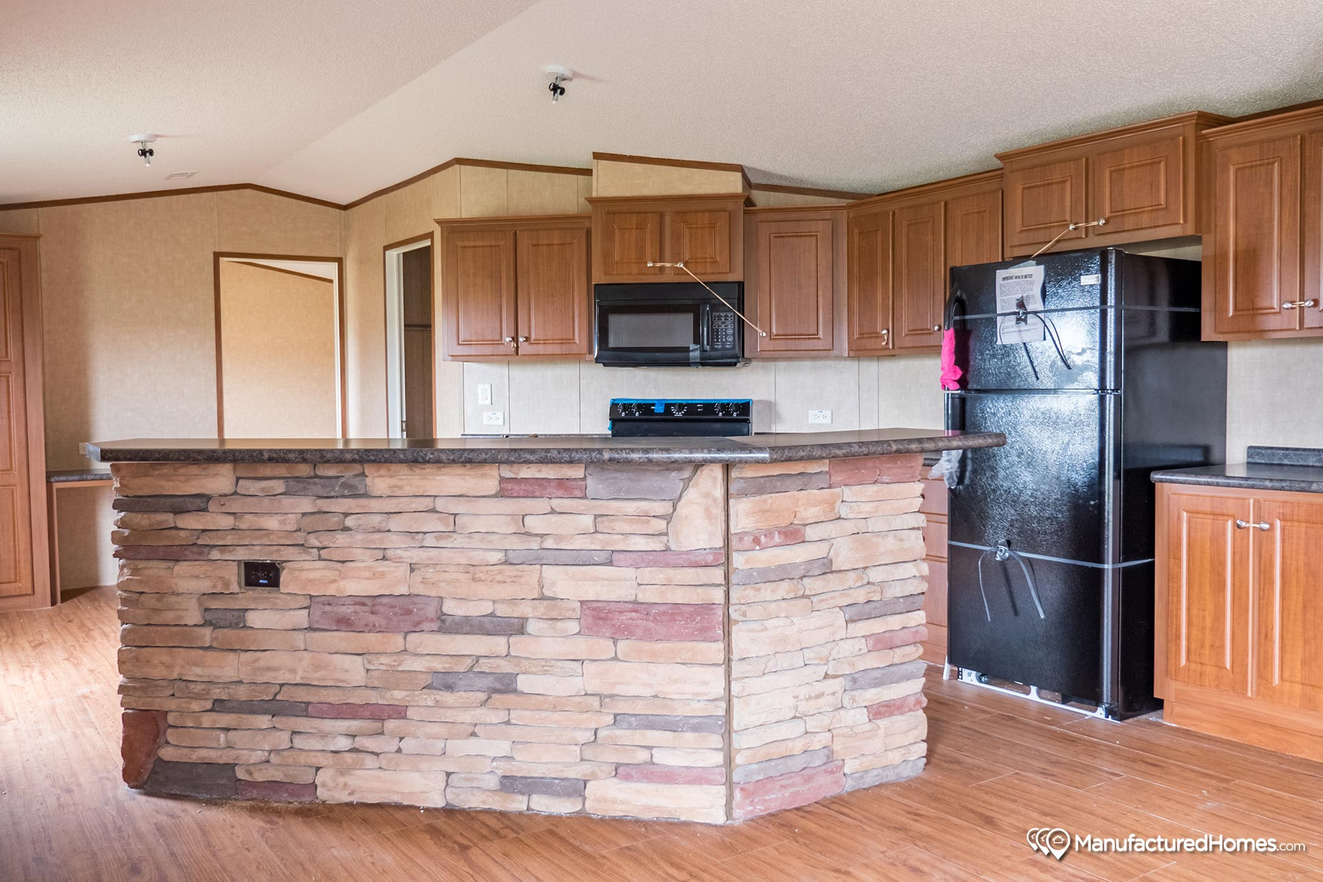 Heritage / 1684-32A - Kitchen