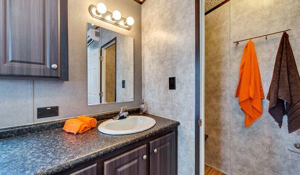 Tiny / 1240-22A - Bathroom