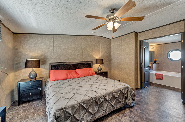 Select Legacy / S-2464-32FLP - Bedroom