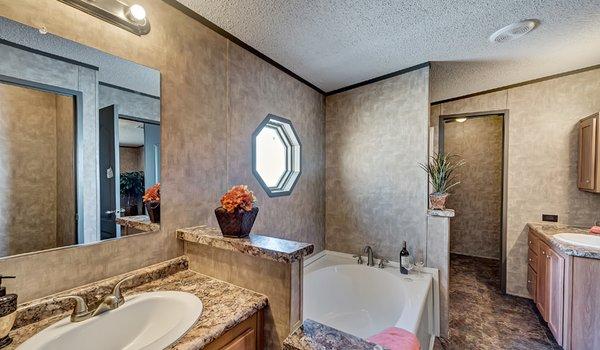 Select Legacy / S-2464-32FLP - Bathroom