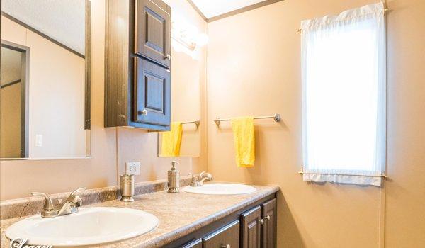 Heritage / 1680-32L - Bathroom