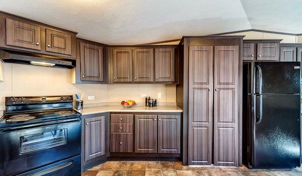 """""""Hidden Pantry"""" / 1680-32Q - Kitchen"""