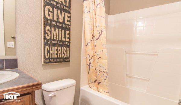 Cedar Canyon / 2074 - Bathroom