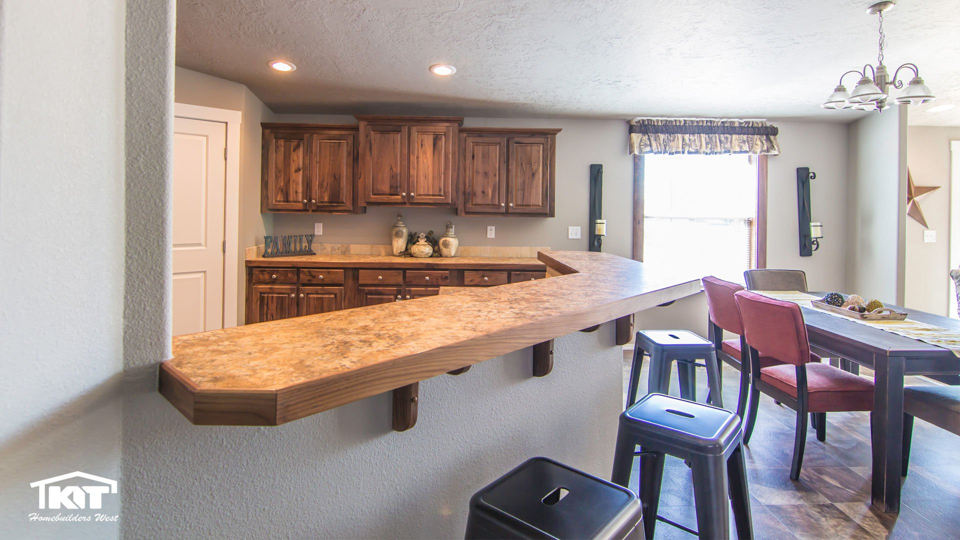 Cedar Canyon / 2074 - Kitchen