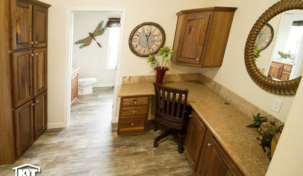 Cedar Canyon / 2083 LS - Bathroom