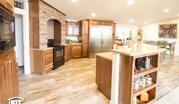 Cedar Canyon / 2083 LS - Kitchen