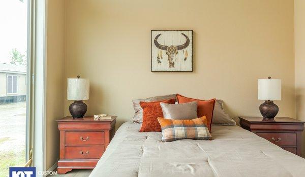Cedar Canyon / 2078LS - Bedroom