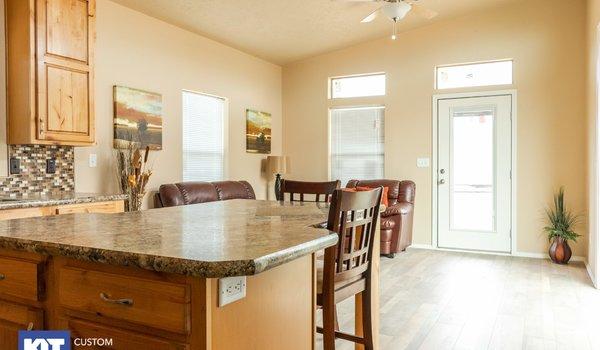 Cedar Canyon / 2078LS - Interior