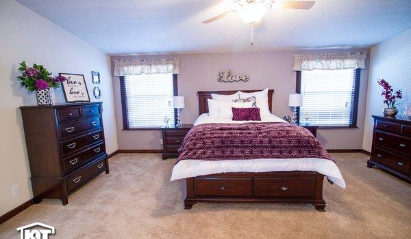 Grand Manor / 6012 - Bedroom