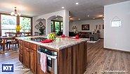 Grand Manor 6013 Interior