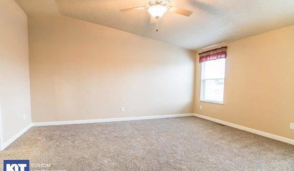 Cedar Canyon / 2077 - Bedroom