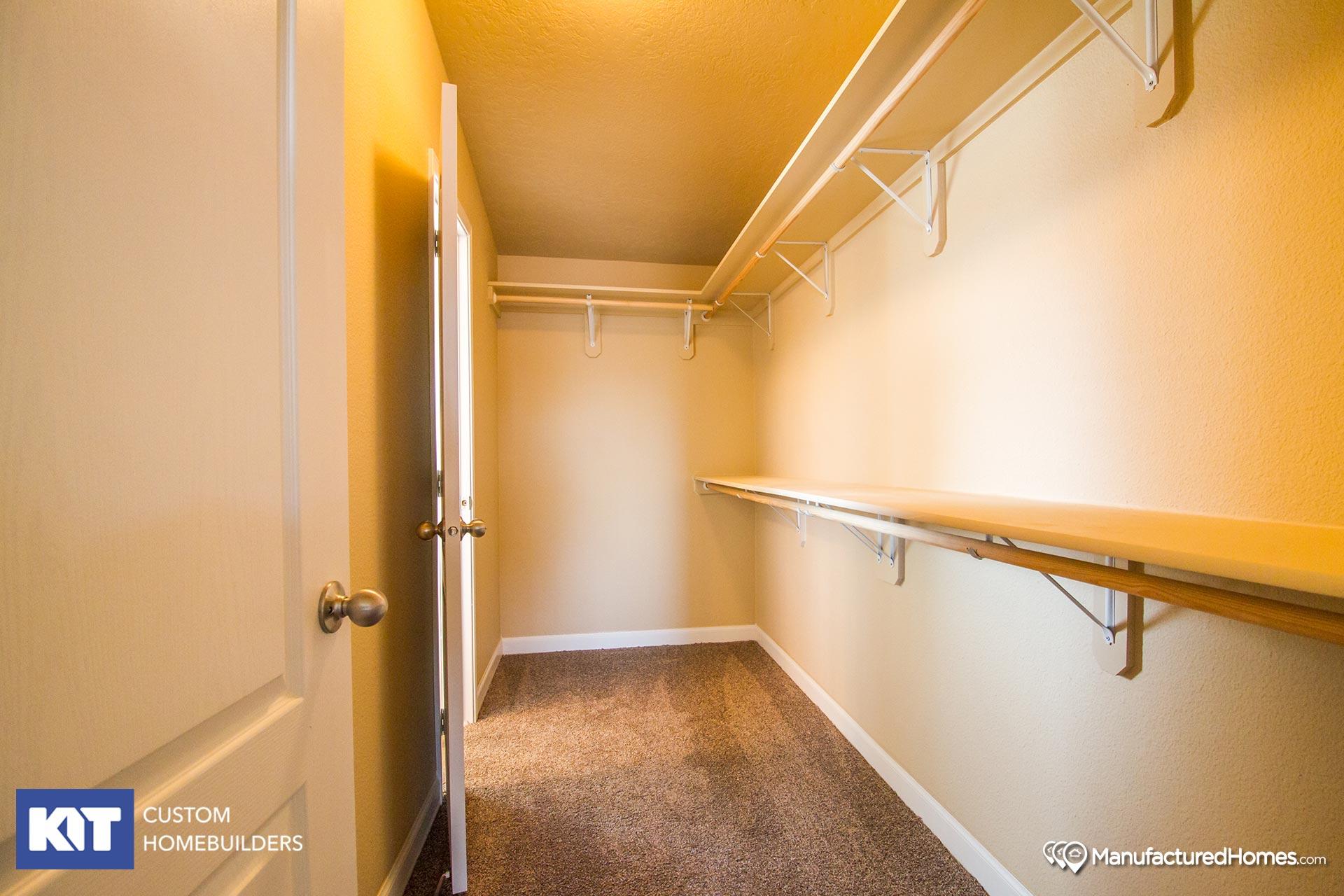 Cedar Canyon / 2042 - Bedroom
