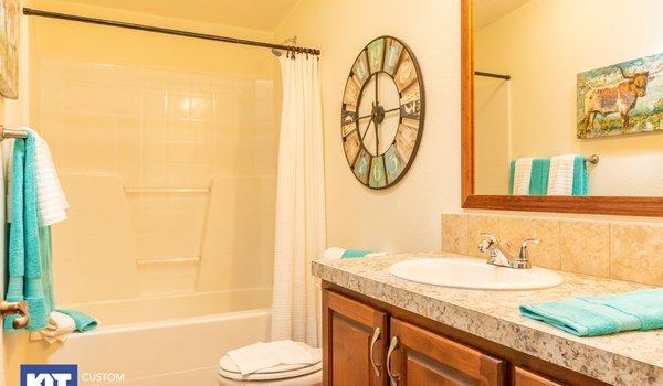 Cedar Canyon / 2057 - Bathroom