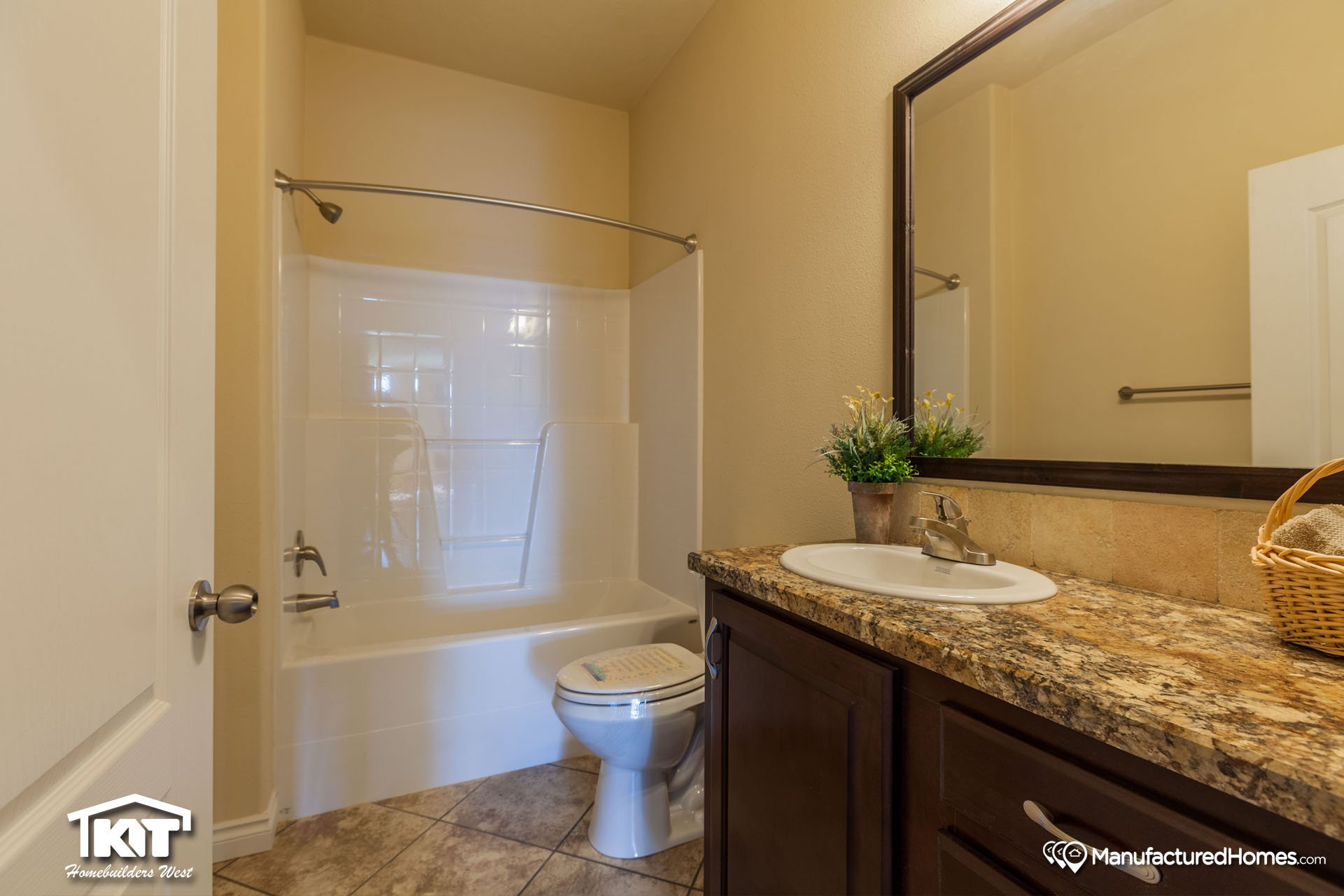 Cedar Canyon / 2073 - Bathroom