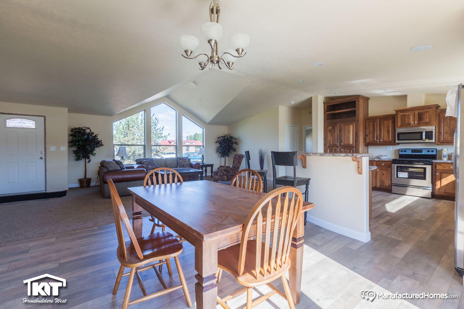 Pinehurst 2506 thm by united family homes for Kit west homes