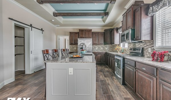 Deer Valley Series / Charis House DV-7404 - Kitchen