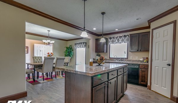 Woodland Series / Brooks Pointe WL-6411 - Kitchen