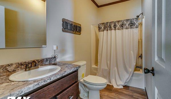 Woodland Series / Brooks Pointe WL-6411 - Bathroom