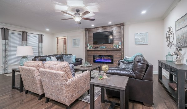 Deer Valley Series / Kairos DVT-7601 - Interior