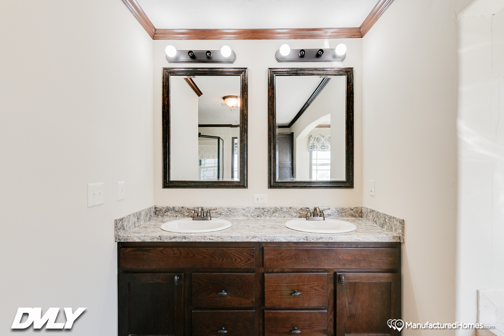 Woodland Series / Maison Calme WL-6806B - Bathroom