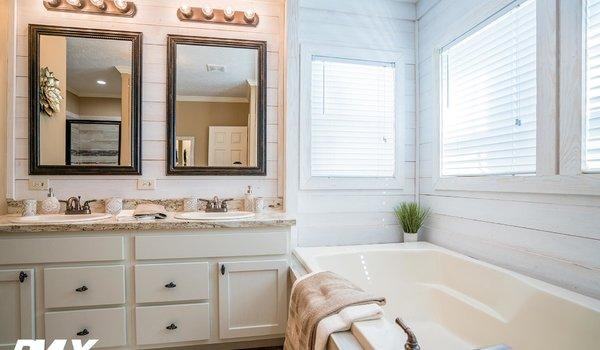 Sun Valley Series / The Avonlea SVM-8031 - Bathroom