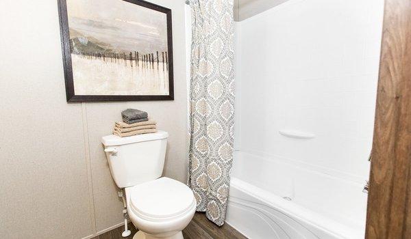 TRU Single Section / Euphoria - Bathroom