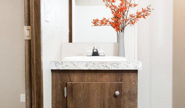 TRU Single Section / Exhilaration - Bathroom