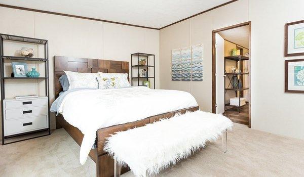 TRU Multi Section / Thrill - Bedroom