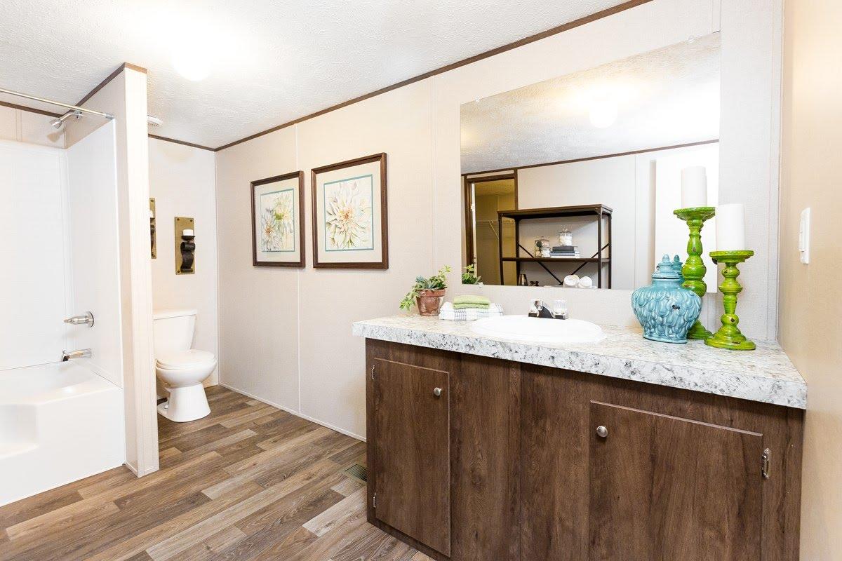 TRU Multi Section / Thrill - Bathroom