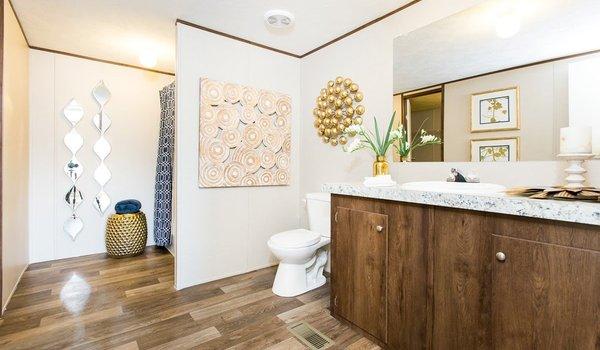 2018 TruMH / Wonder 28x72 Serial# 3251 - Bathroom