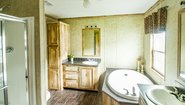 MD 28' Doubles MD-27 Bathroom