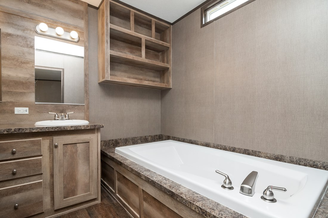 The anniversary 16682a by clayton homes waco 1 for Bathrooms r us clayton