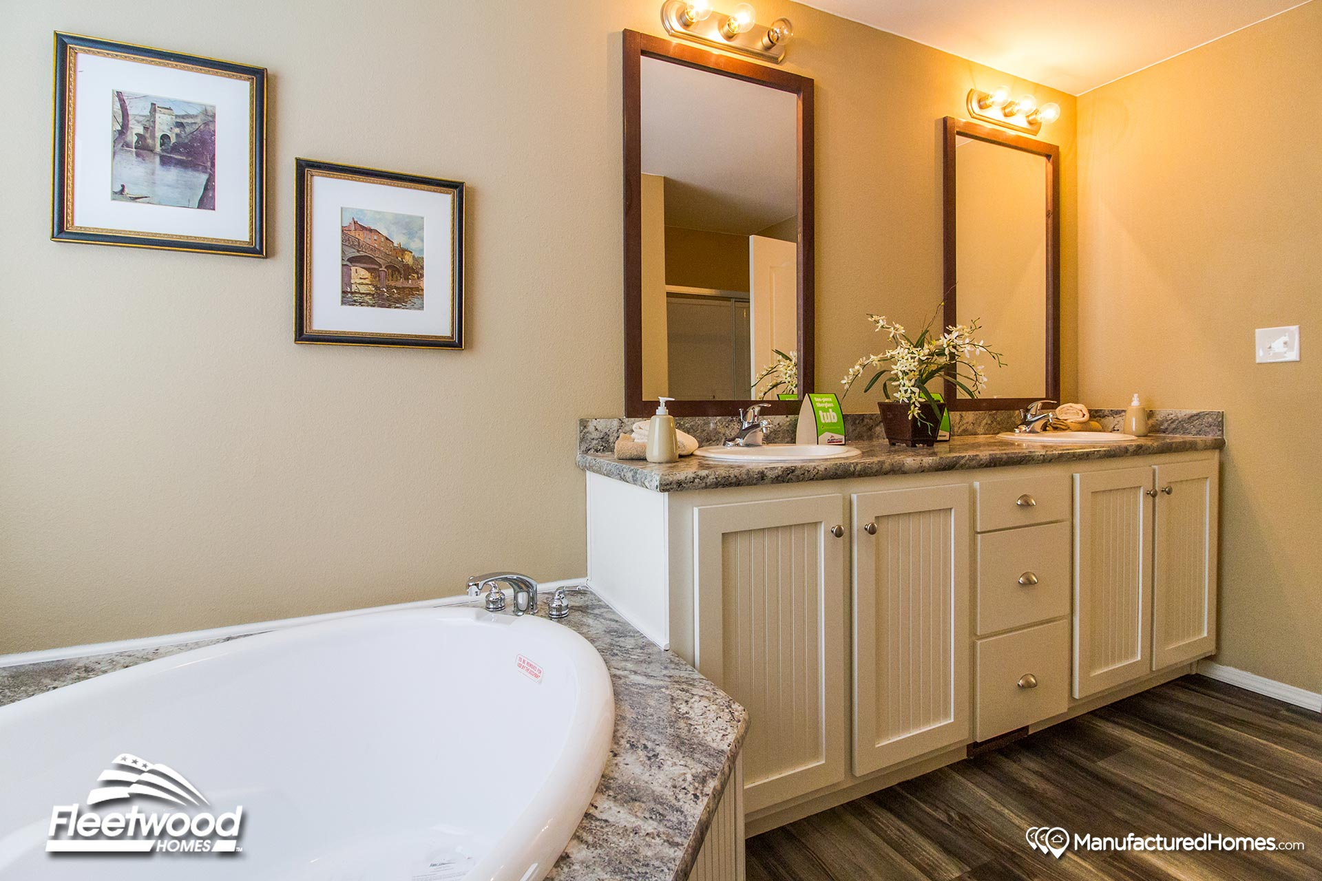 Broadmore / 28563B by Fleetwood Homes Nampa
