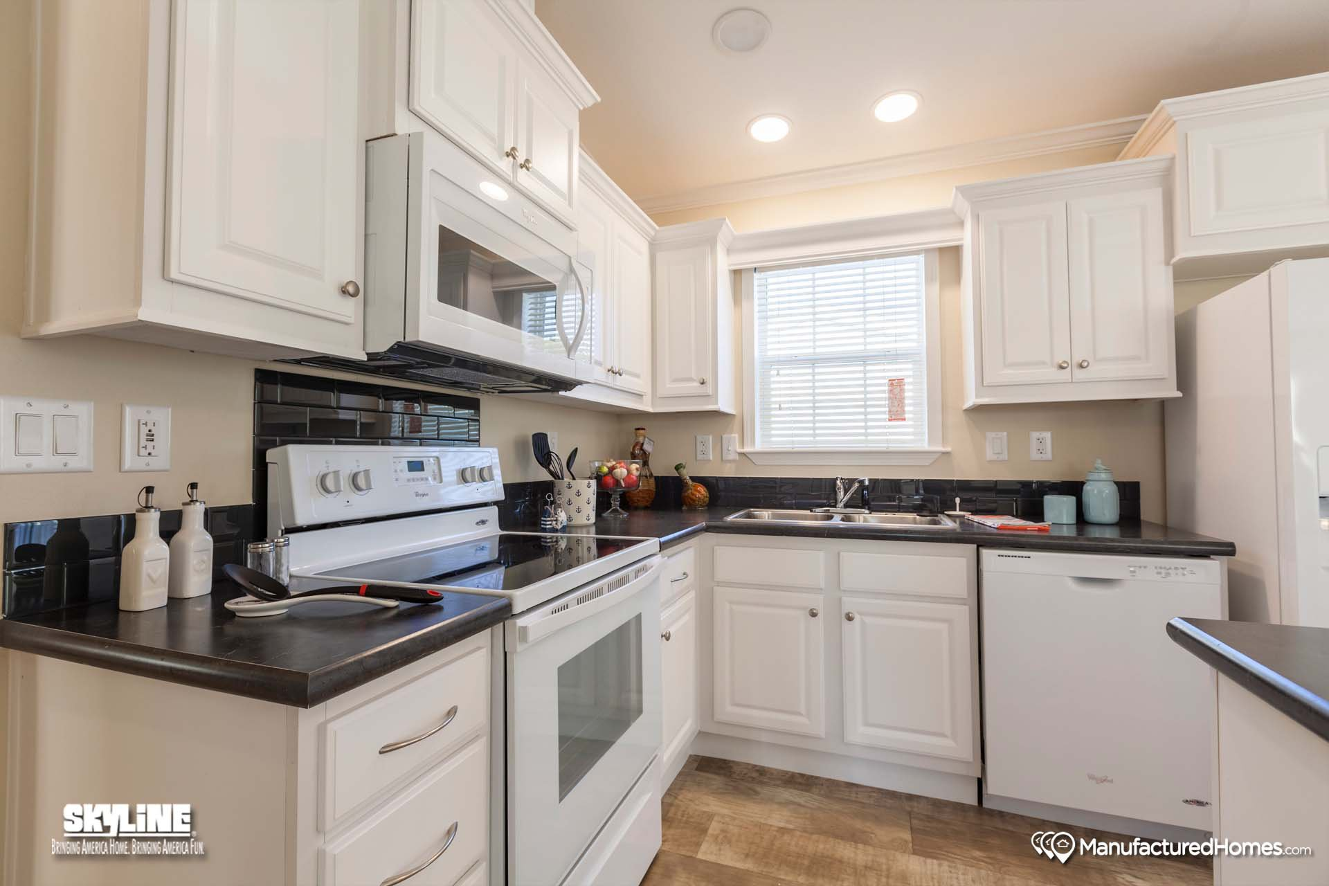 Silver springs 4800 tg by skyline homes for Silver spring italian kitchen