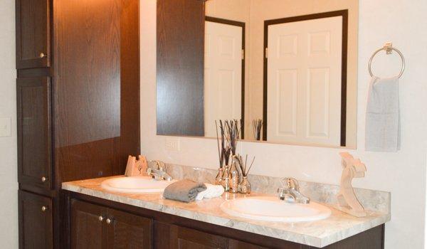 Prairie Dune / 8831 - Bathroom