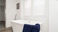 Catena R10 Bathroom