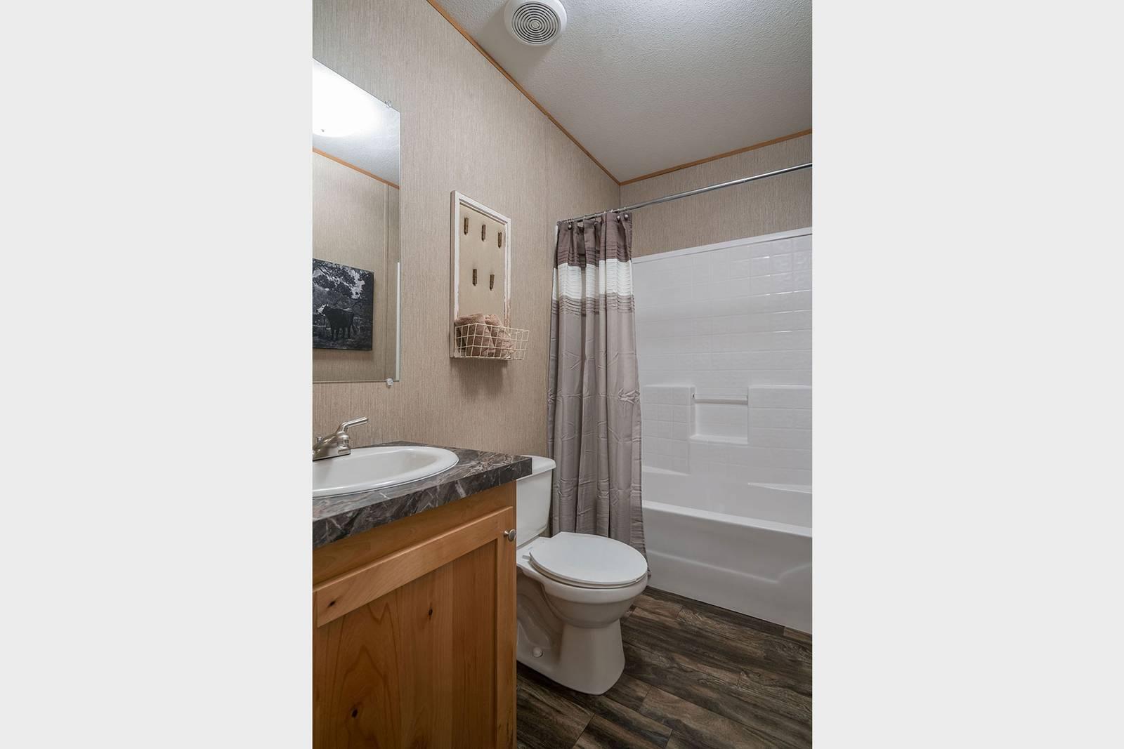 Select / CS1676C - Bathroom