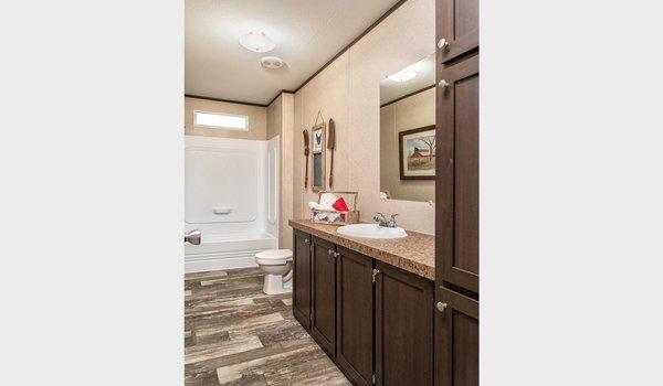 Sheridan / RM3248 - Bathroom