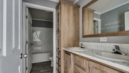 Advantage Sectional Summit 2868-237 Bathroom