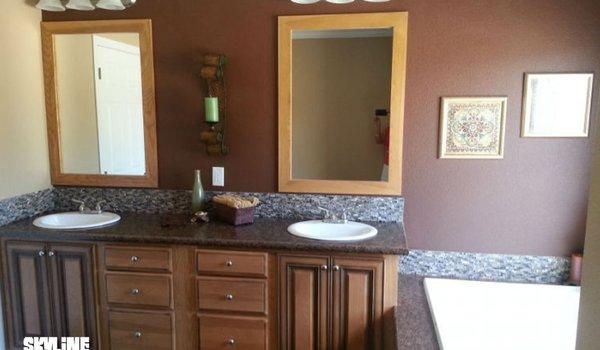 Chaparrel / 5793 Concho - Bathroom