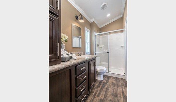 Park Model RV / APS 630 - Bathroom