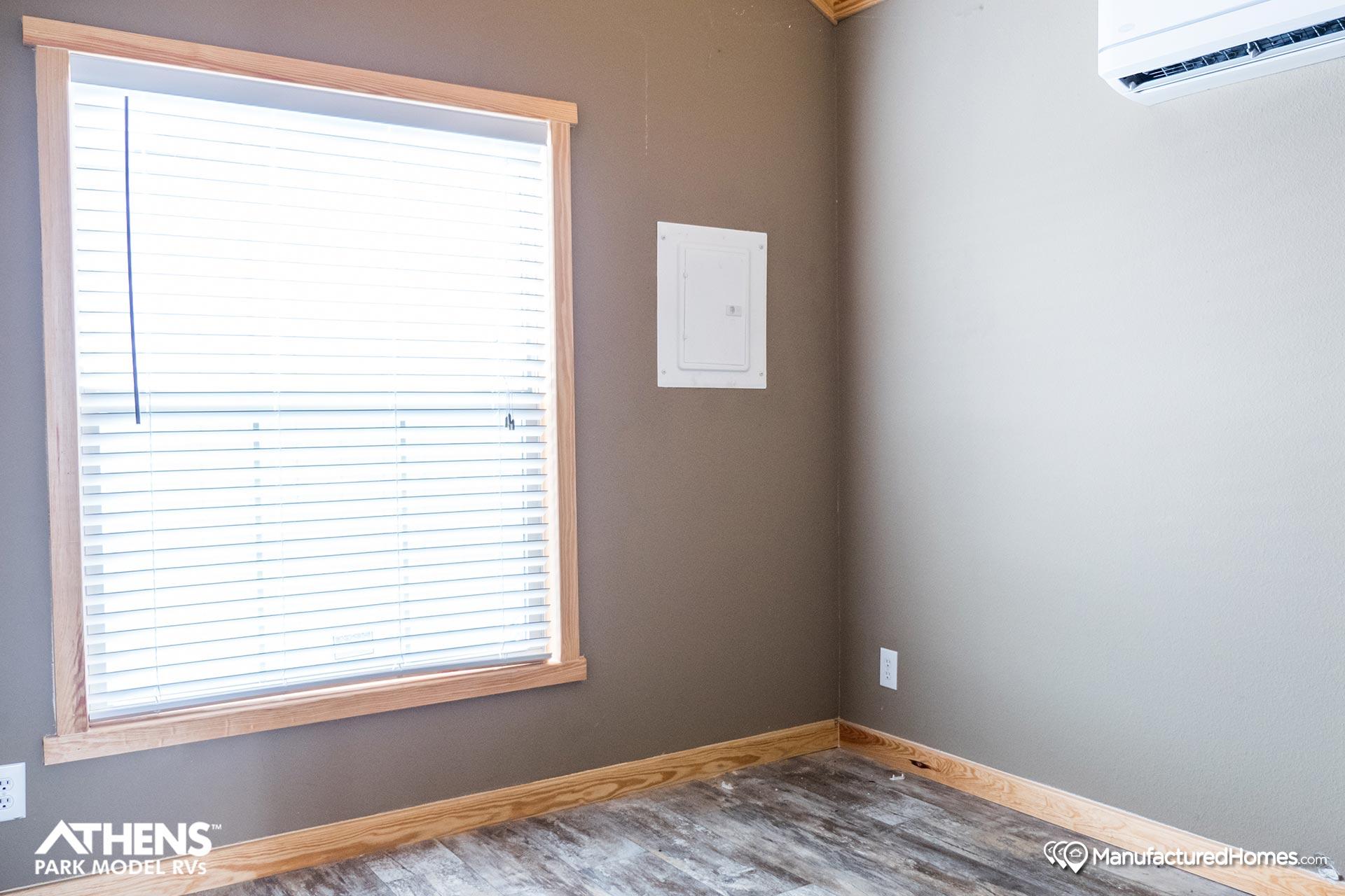 Park Model RV / 529 - Bedroom