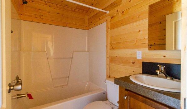 Park Model RV / 531 - Bathroom